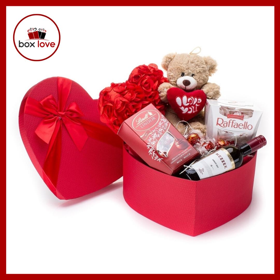 кутия обичам те сърце.png